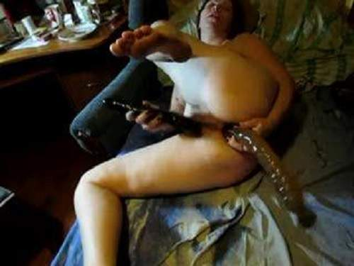 Amazing homamade russian mature double dildo penetration
