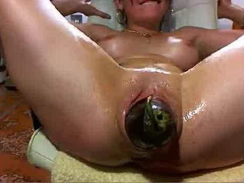 Webcam Milf Vegetable Insertion And Squirt Closeup -9999