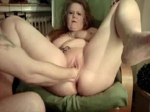 Mature extrem asshole and pussy fisting