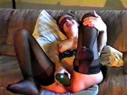 Mature blindfolded solo penetration cucumber vintage video