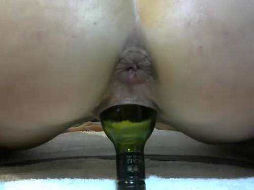 great girl bottle rides,big bottle penetrated into pussy,vaginal destroy,sexy masked whore rides on a big bottle