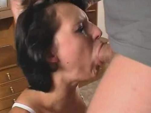 Amature throat fuck