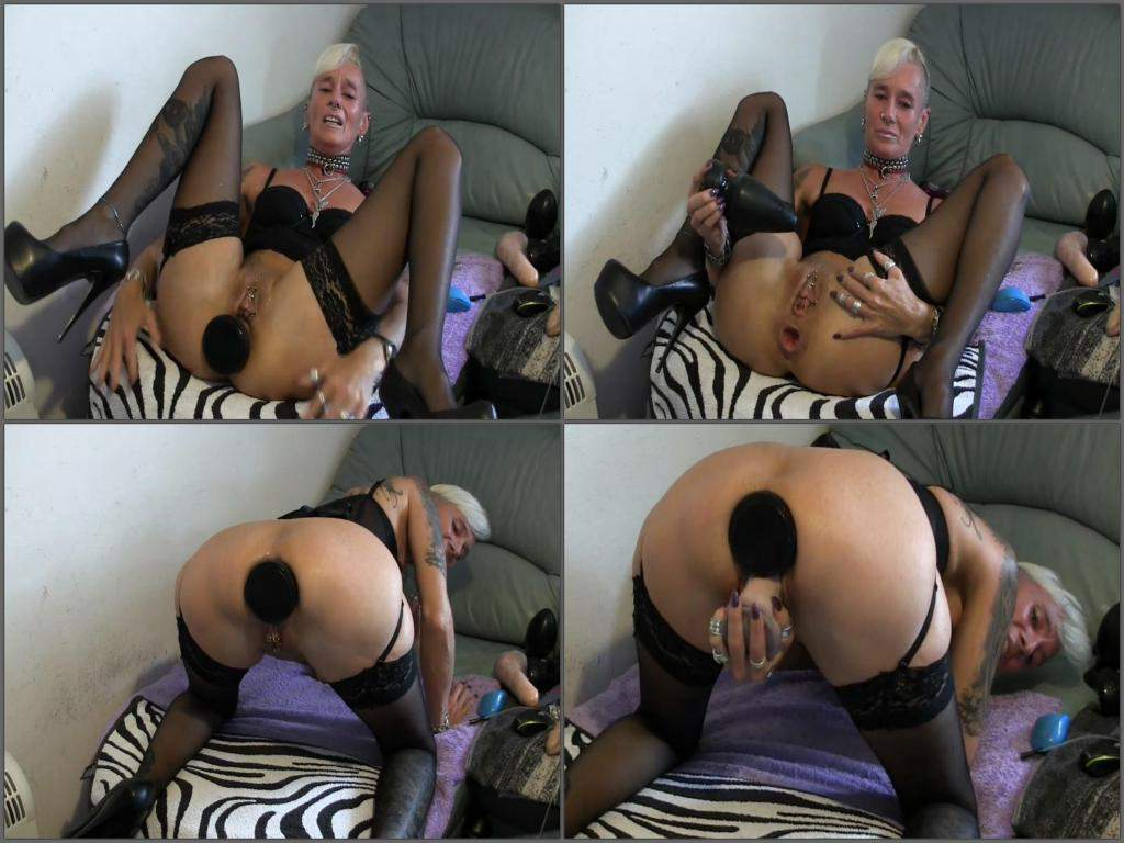 abused webcam milf solo huge dildo penetration in loose ass | rare