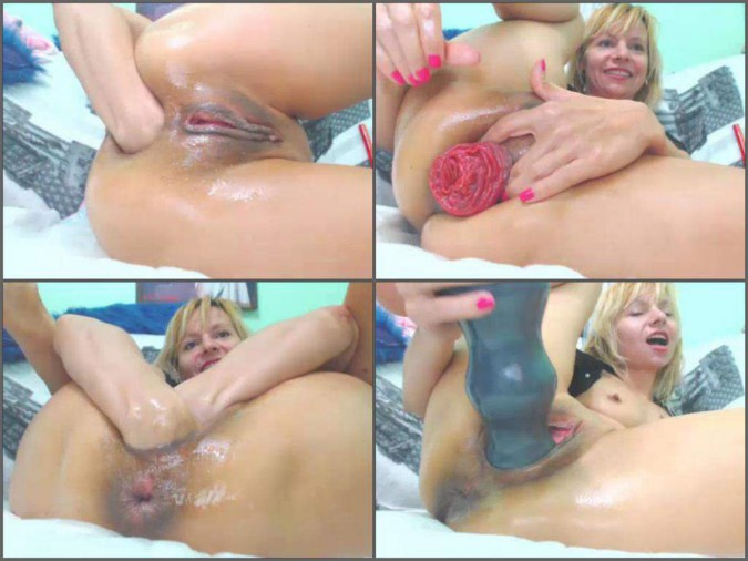 Awesome sister team blowjob