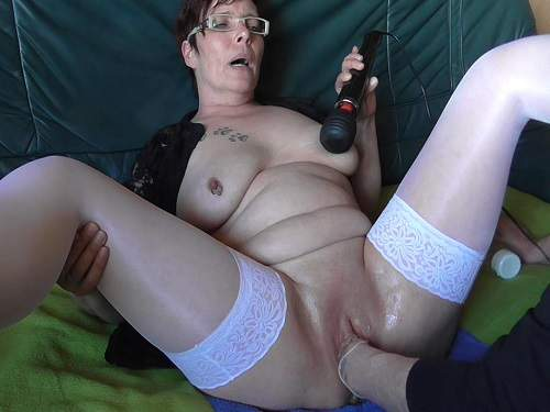 Amateur vaginal fisting