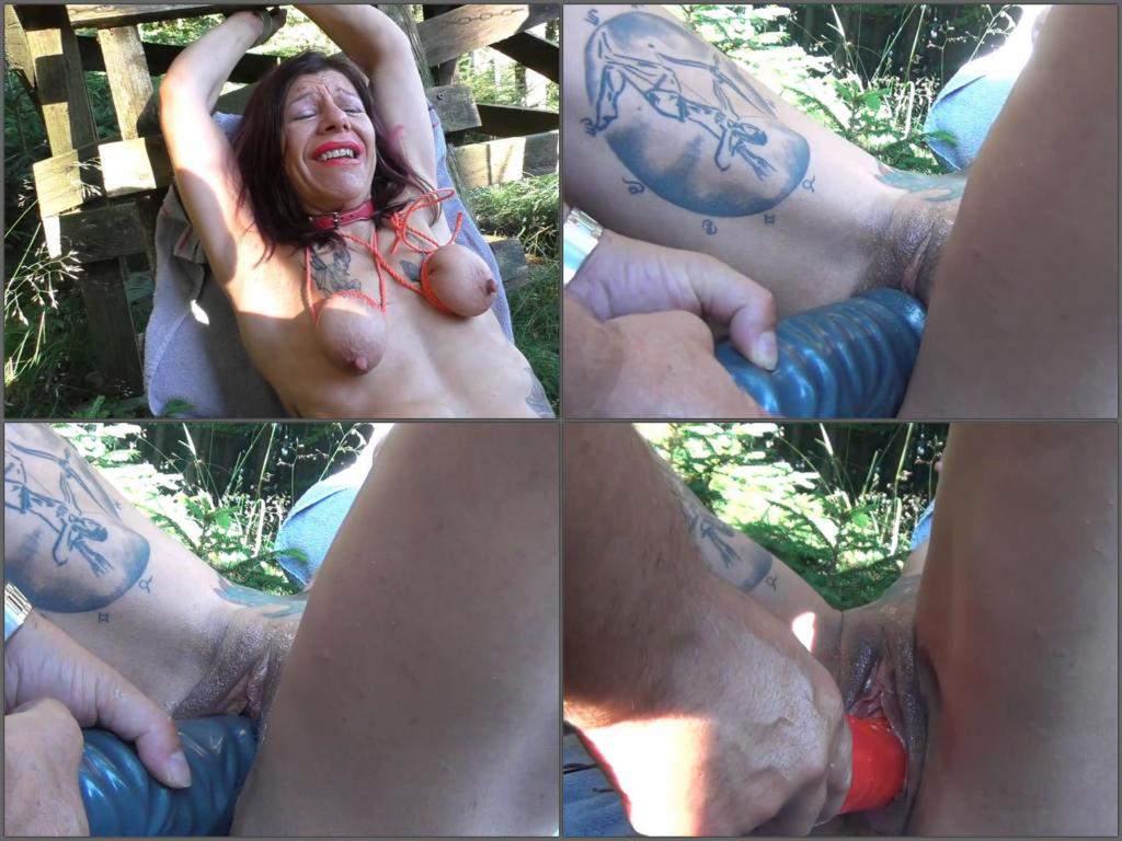 Sister handjob porn