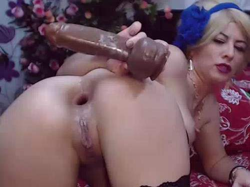 Booty blonde anal gape ruined after brutal solo fisting