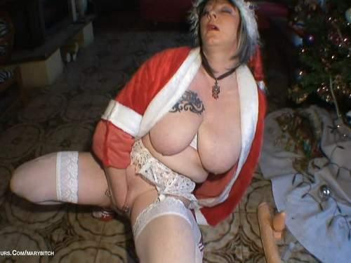 piercing pussy,christmas fisting,christmas porn,christmas fisting sex,busty milf,fisting pussy