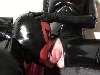 latex girl,rubber porn,latex porn,pussypump,vaginal pump,rubber fetish,latex slave,licking pussypump
