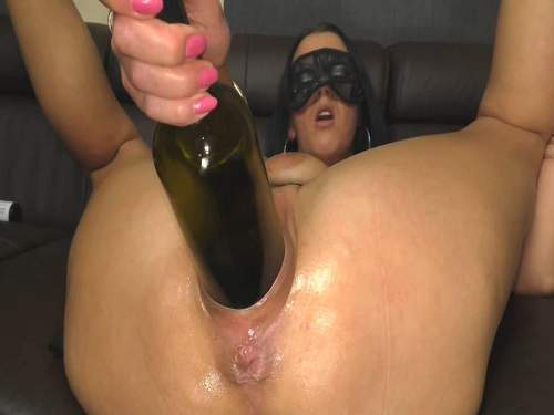 huge bottle in pussy,bottle in pussy,vine bottle fuck,masked wife,amateur bottle porn