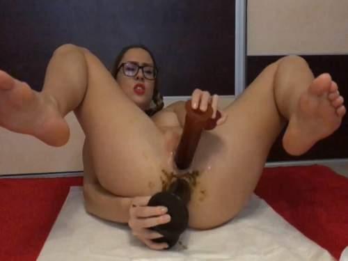 Ella Gilbert double dildo penetration in shitting anus gape