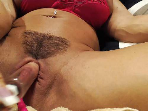 Hairy mature masturbation tube