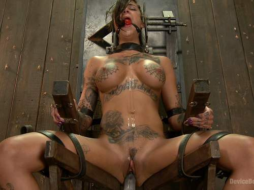 Tatooed girl bdsm