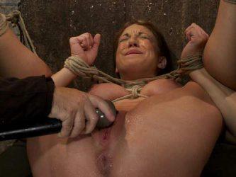 Amy Brooke clit pump,pussy pump,clit pump closeup,bondage domination,rope bondage domination,exciting pumping,squirting,exciting squirting domination