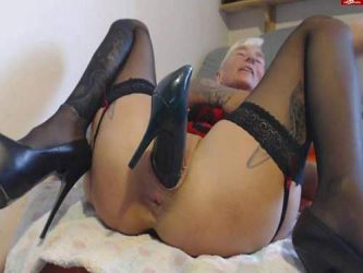 shoe penetration,shoe in pussy,isabella penetration shoe in pussy,mature with piercing pussy,piercing cunt,peeing in shoe,mature drinking urina