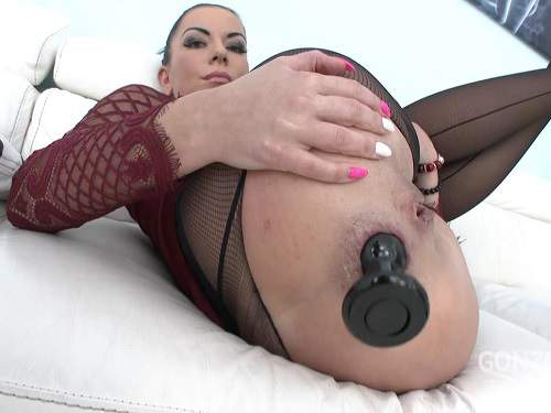 New 04.05.2017 Inga Devil butplug fuck and creampie to anal gape