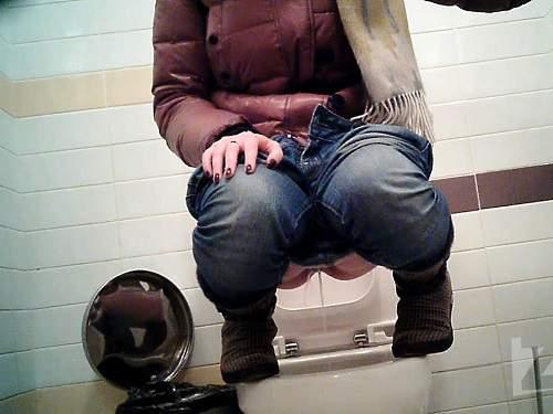 hidden toilet cam,peeing porn,big ass girl,russian big ass girl,peeing fetish,public toilet pee,voyeur wc