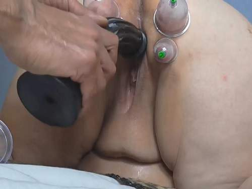 Plump wfe pussypump and clit pump too