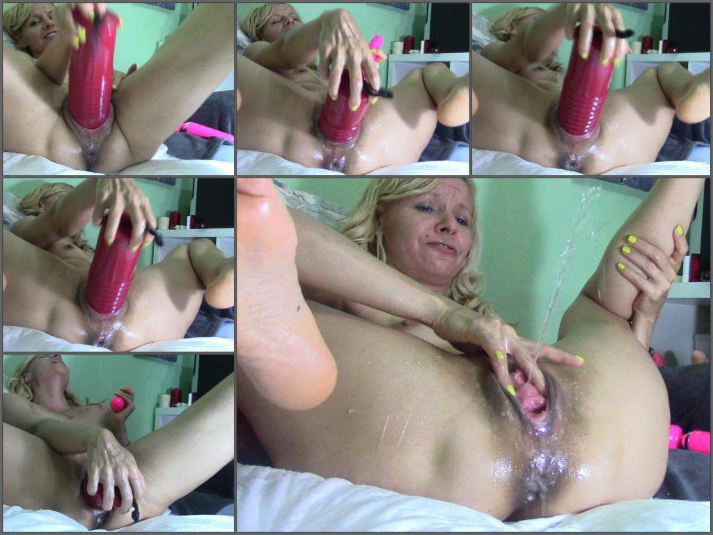 Huge Anal Dildo Porn  Horny Russian Milf Squirt And -4504