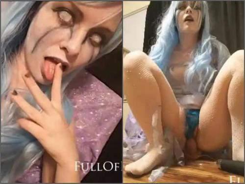 Ice Queen rides on a big dildo Halloween porn – Release October 29, 2017