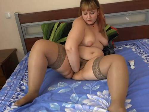 Hairy bbw cunt gets fisted