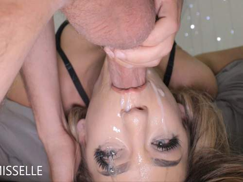 LittleMissElle sloppy face fucking with facial – Release November 27, 2017