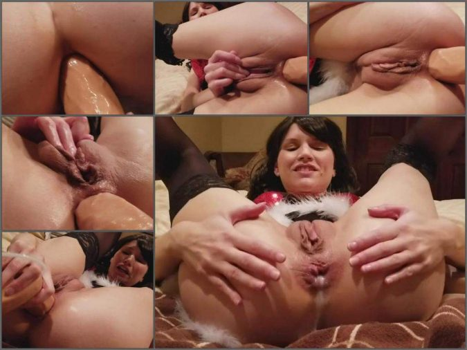 Mom wants a taboo relationship with not her son - 2 part 1