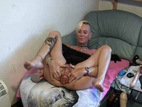 isabella anal prolapse,mature anal prolapse,lady-isabella666 porn,prolapse porn 2017,dildo anal,deepthroat fuck