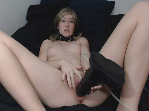 Dirty camgirl Brooke1993 horse and dog dildos penetration in pussy