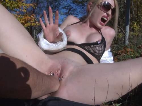 Jennysimpson pussy fisting,Jennysimpson fisting sex,Jennysimpson outdoor fisting,couple outdoor fisting,fisting in the forest,hot fisting porn