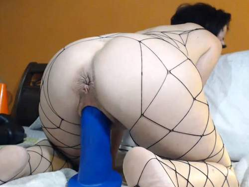 KinkyVivian dildo rides,KinkyVivian dildo penetration,huge dildo rides,KinkyVivian dildo penetration deeply in ass,fisting sex,mature with saggy tits