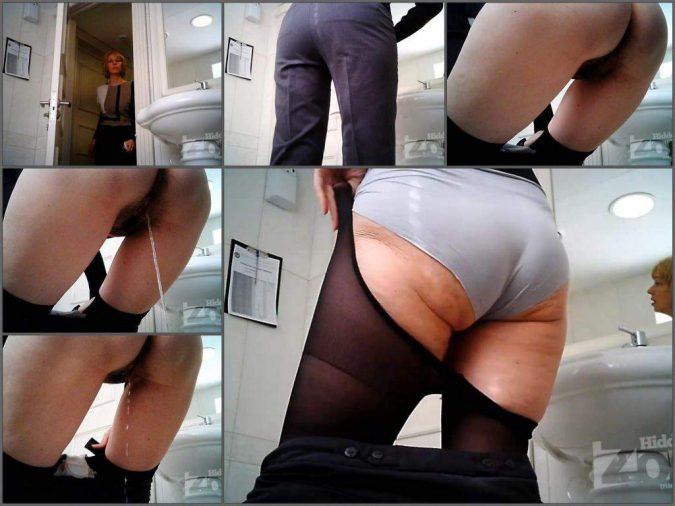mature peeing,mature piss,peeing porn,big ass russian mature,voyeur toilet cam,hidden piss,spy wc in russia,booty russian mature piss