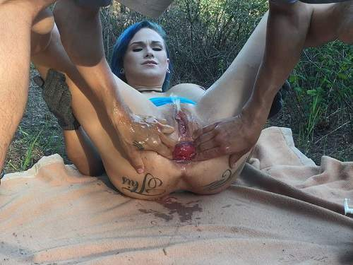Lilyskye Outdoor Rides On A Double Dildos And Prolapse -1487
