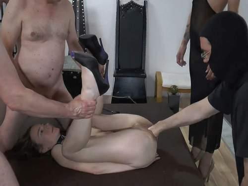 Kinky German Girl Gets Gangbang Pissbath