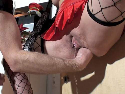 hung squirt