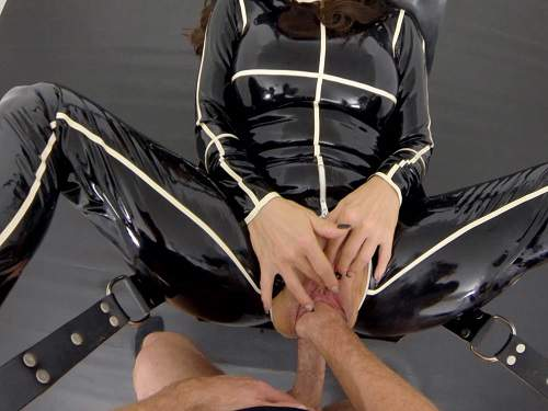 LatexAngel stretching fuckholes part1 – last update of 2018