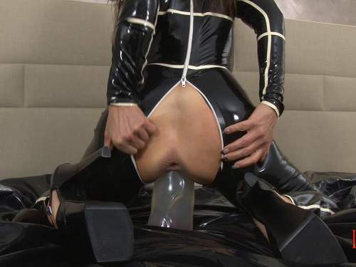 LatexAngel stretching fuckholes part 2 solo porn with latex milf