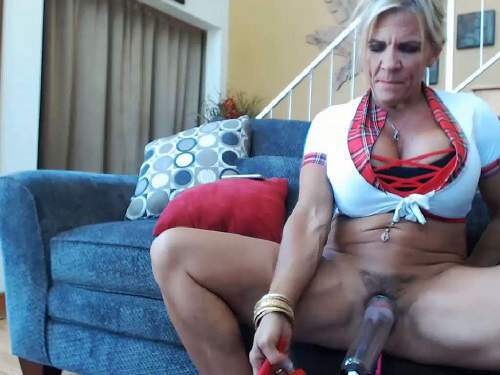 Muscular mature musclemama4u vaginal pump solo webcam