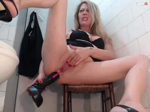 Upskirt sex pussy story