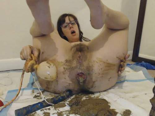 LindzyPoopgirl super filthy fuck, smear, gape and squirt