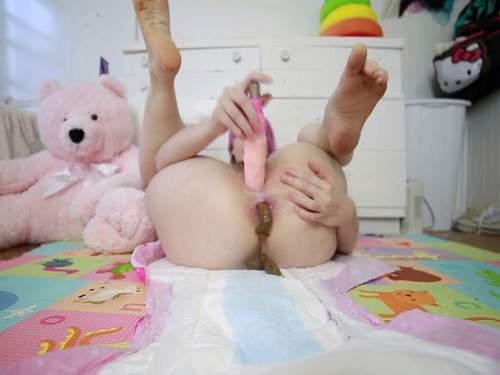 BabyDollNaughty open diaper pooping – scat dildo porn