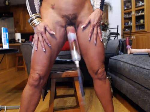 musclemama4u pussy pump,milf pussy pump,vaginal pump,musclemama4u dildo sex,muscular mature porn,mature porn,large labia,hairy pussy,big clit,big clit milf