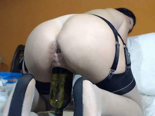 Queenvivian wine bottle and dildo sex vaginal webcam show