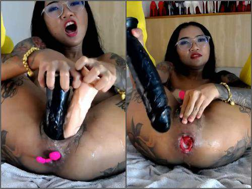 Webcam tattooed asian pornstar Asianqueen93 anal rosebutt loose with many toys